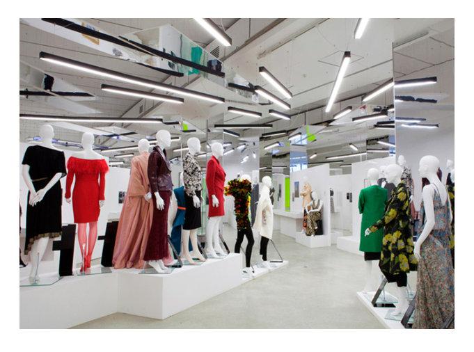 women-fahion-exhibition